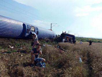 خارج شدن قطار مسافربری از ریل در ترکیه