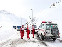 امدادرسانی به ۳۷۸ نفر و رهاسازی ۷۲ خودرو از برف