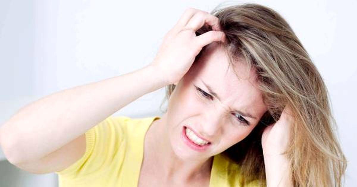 چرا دست به موهایمان می زنیم درد می گیرد؟