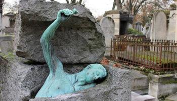قبرهای عجیب و قبرستانهای زیبا +تصاویر