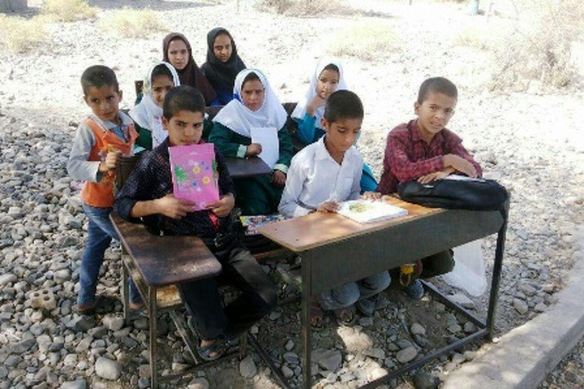 اهدای ۸۰تبلت به دانشآموزان روستای بزنج