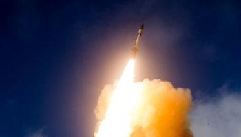 آمریکا موشکی با قابلیت حمل کلاهک هستهای آزمایش کرد