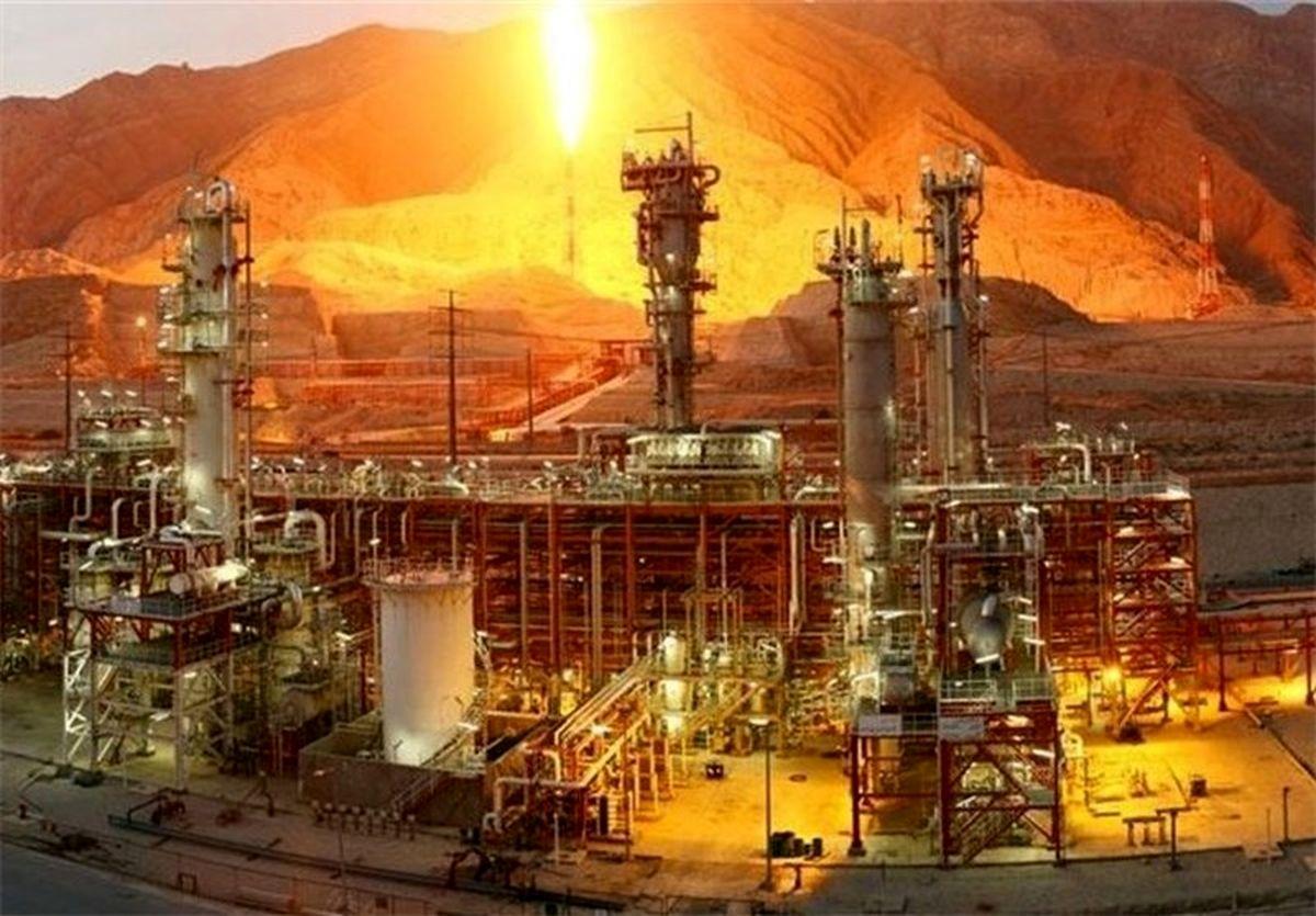 آتش سوزی در پالایشگاه نفت مسکو