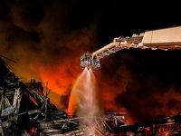 آتشسوزی انبارکالا در جادهمخصوص کرج +تصاویر