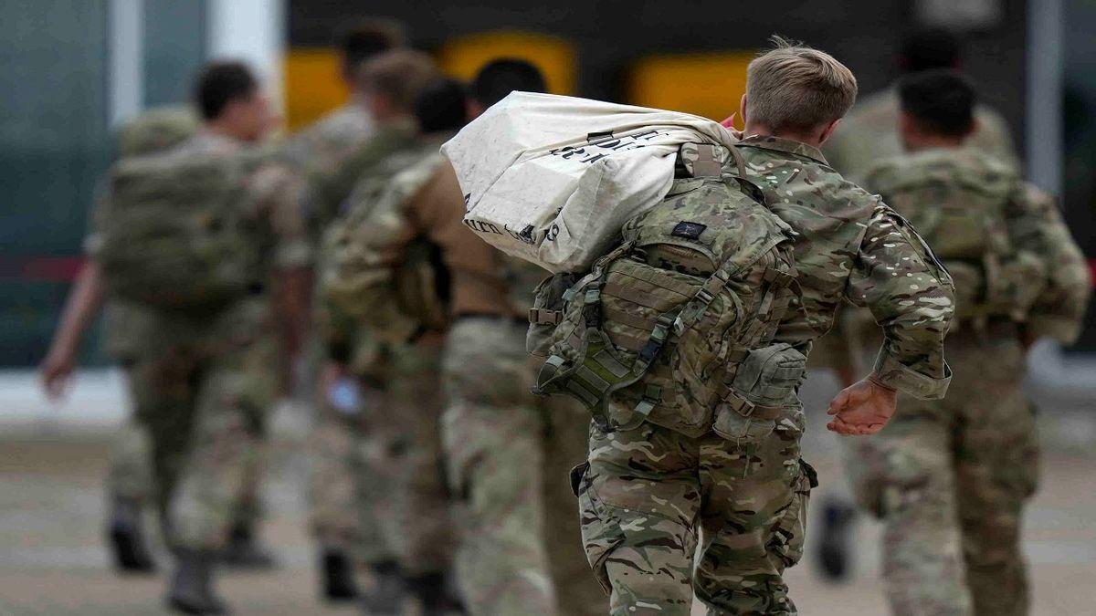 خروج تمامی نظامیان انگلیسی از افغانستان