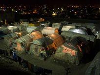 بعد از هفتهها از زلزله، هنوز بسیاری از مردم بیسامانند