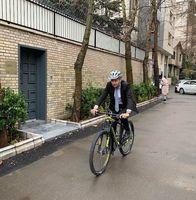 سفیر سوییس در تهران با دوچرخه +عکس