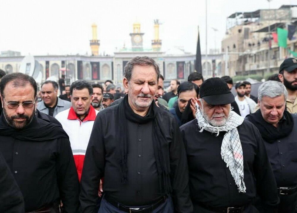 اسحاق جهانگیری در حرم امام حسین (ع) +عکس
