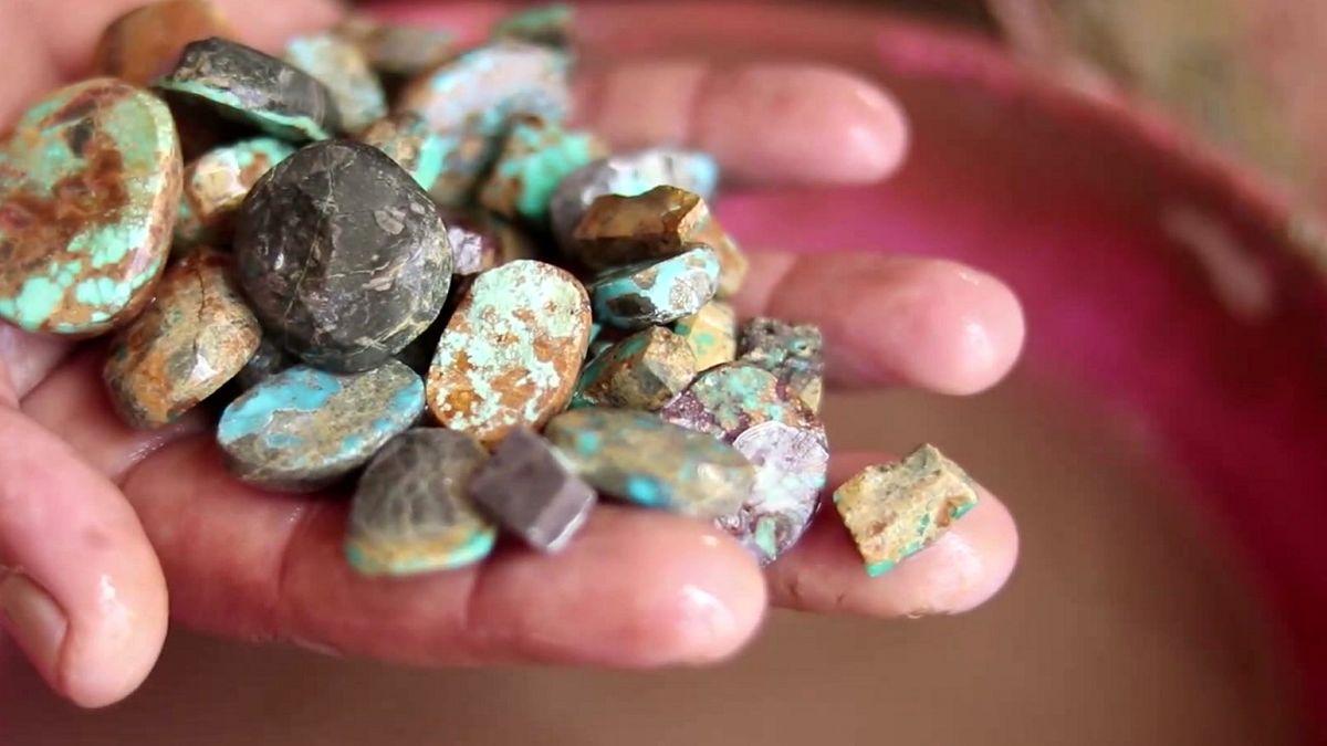 تاکید بر داخلی سازی زنجیره فعالیت ها درصنعت طلا و گوهر سنگ ها