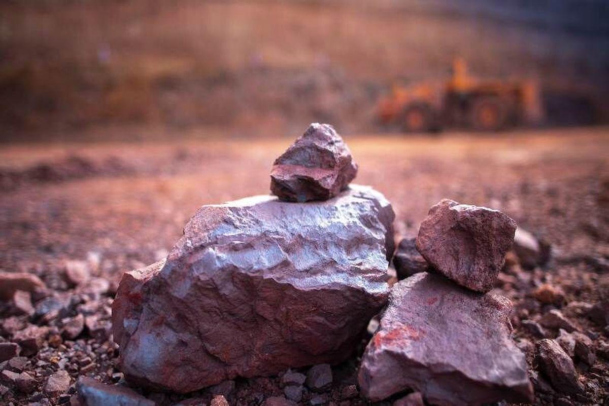 لابیهای سیاسی و فشار رسانهای علیه عرضه بورسی سنگ آهن