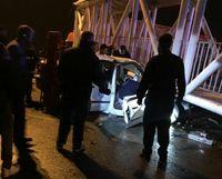 ۲ کشته در سقوط پل روی خودروها در پاکدشت +عکس