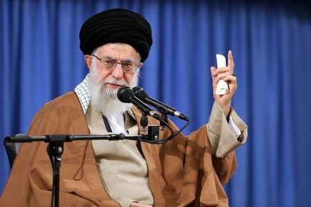 رهبر معظم انقلاب: هیچکس هیچ غلطی نمیتواند بکند