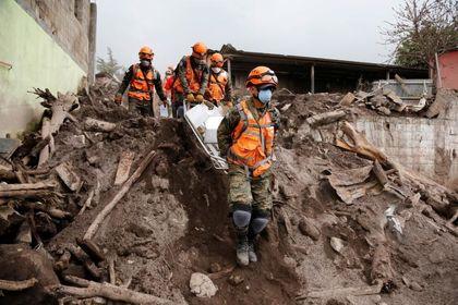 جستجوی ناپدیدشدگان آتشفشان گواتمالا +عکس