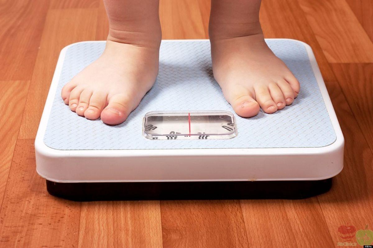 تلفن هوشمند چه تاثیری روی رژیم غذایی و وزن نوجوانان دارد؟
