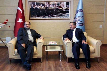 وزیر صنعت، معدن و تجارت ایران وارد ترکیه شد