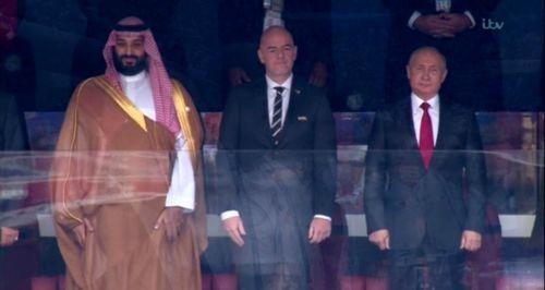 بن سلمان در جایگاه ویژه در کنار پوتین و رییس فیفا +عکس