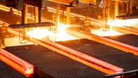 حمایت ۷۳درصدی حقوقی ها از فولاد/ فولاد در کف قیمت روزانه معامله شد