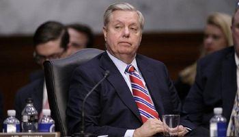 سناتور آمریکایی: باید به پالایشگاههای ایران حمله شود