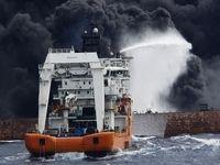 ورود غواصان به نفتکش غرق شده سانچی