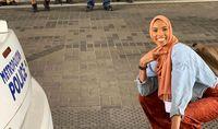 واکنش دختر مسلمان به ضد مسلمانان +عکس
