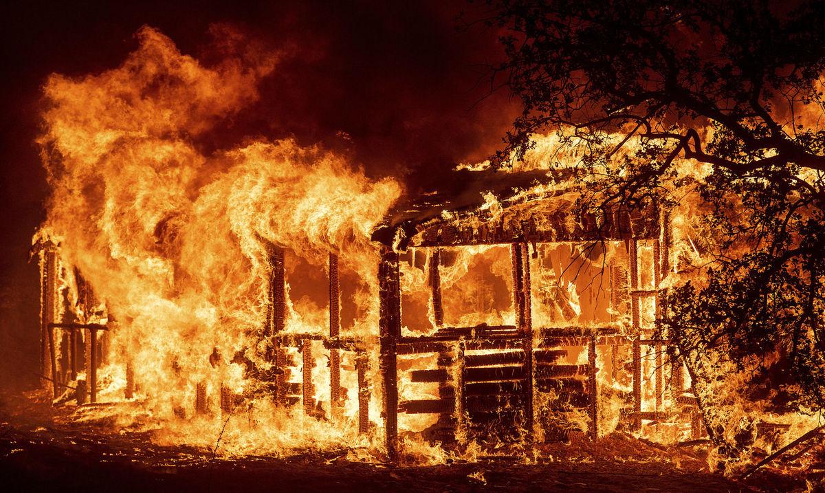 گسترش دومین آتشسوزی بزرگ در تاریخ کالیفرنیا