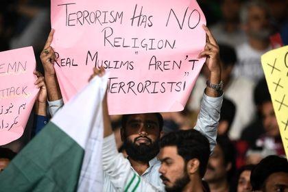 ادای احترام مردم سراسر جهان به قربانیان مسلمان نیوزیلند +تصاویر