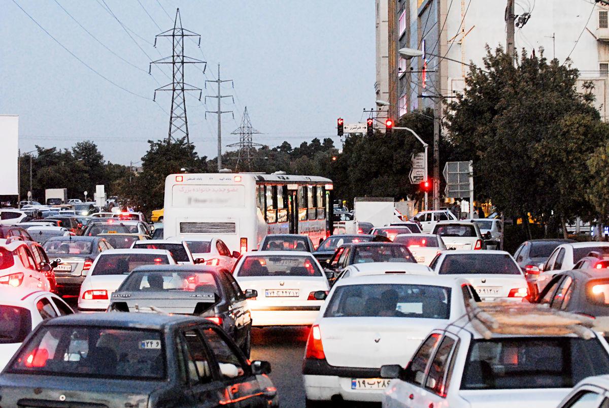 پلیس راهور: ترافیک در اکثر معابر پایتخت پرحجم است