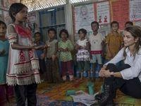 ملکه اردن در بازدید از اردوگاه آوارگان روهینگیا +عکس