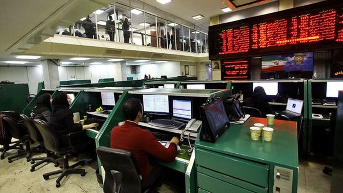 روز سبز شاخص سهام بانکی در تالار شیشهای