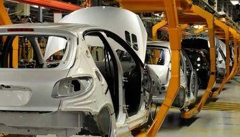 جزئیات جلسه خودروسازان و قطعهسازان با لاریجانی