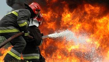 آتش در بازار رضا در مشهد مهار شد