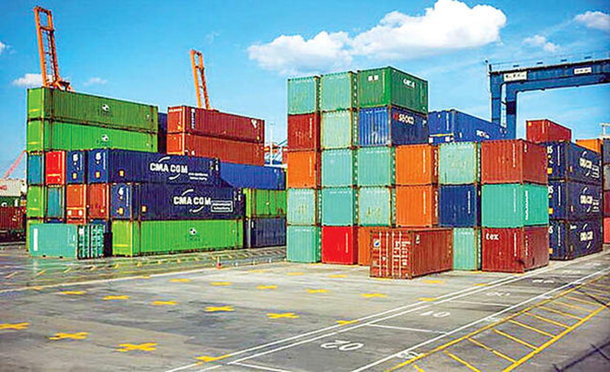 محدودیت واردات ۲۵۰۰کالا ادامه مییابد