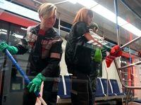 نظافتچیهای خوشتیپ مترو +عکس