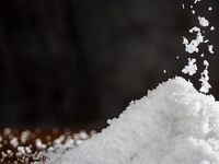 برای درمان فشار خون نمک مصرف کنید!