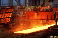 رویارویی بر سر قیمتگذاری دستوری فولاد
