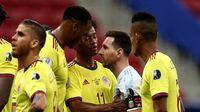 واکنش مدافع کلمبیایی به تمسخر توسط  مسی/  موضوع دفاع از تیم ملی بود