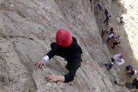 زن سنگنورد در منطقه اخلمد سقوط کرد