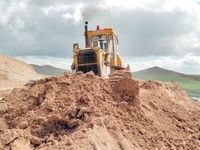 قاچاقچیها خاک وطن را توبره کردهاند