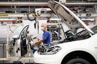 تعطیلی خودروسازان آمریکایی تا کی ادامه دارد؟