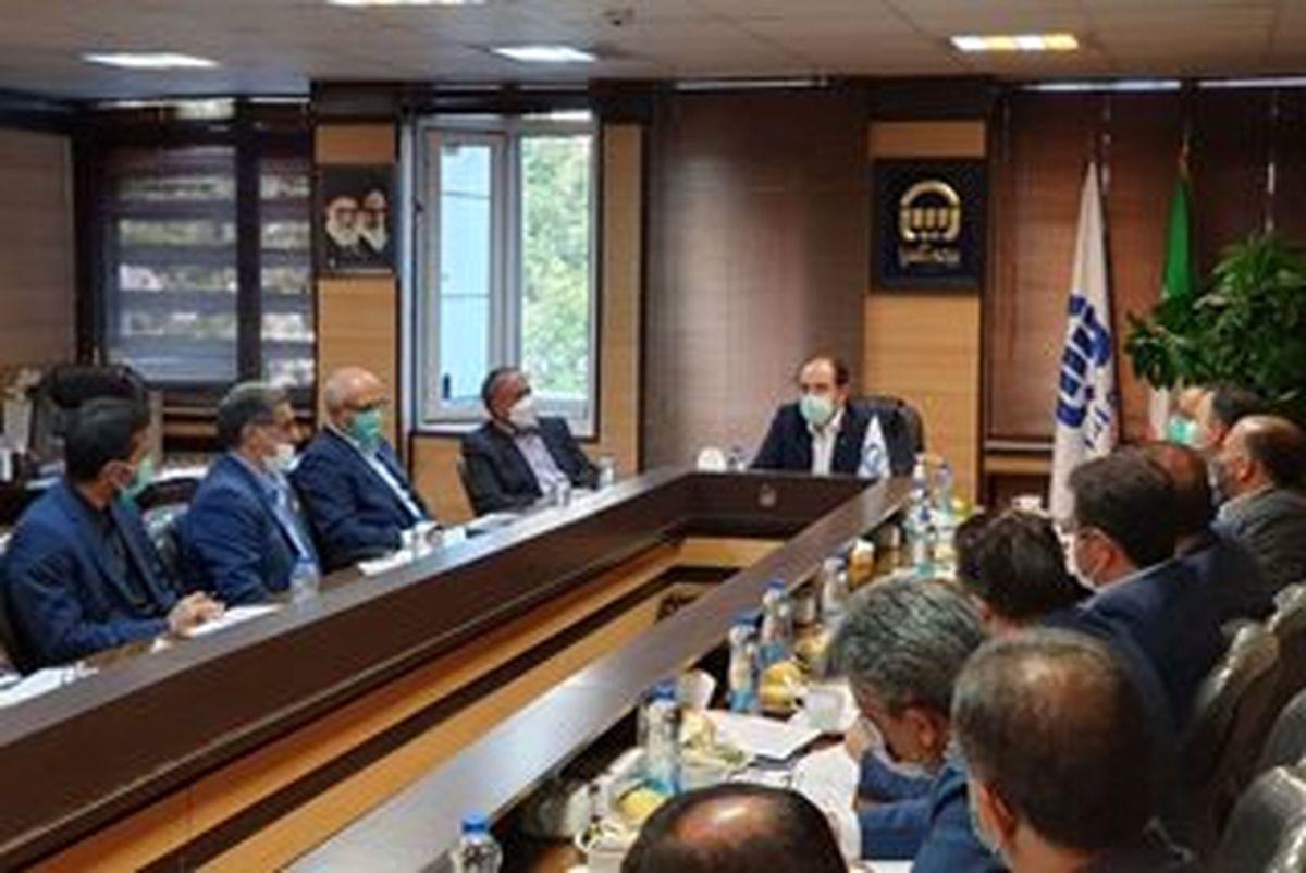 نشست مدیرعامل بیمه آسیا و هیات همراه در استان خراسان رضوی