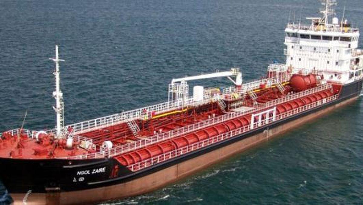 مقایسه صادرات نفت ایران در سه ماه اخیر با سال گذشته/ صادرات نفت ایران در فوریه۲۰۱۸، دومیلیون و ۵۶۶هزار بشکه شد