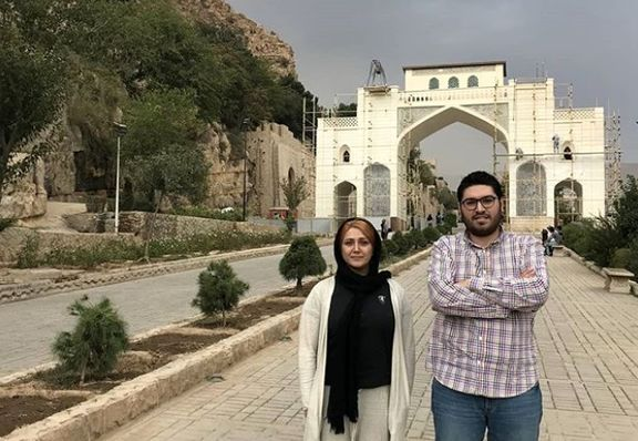 بازیگر مشهور در کنار دروازه قرآن شیراز +عکس