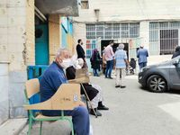 سالمندان در صف واکسن کرونا