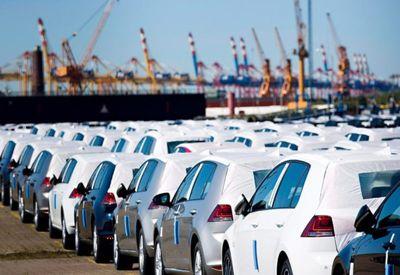 بخشنامه جدید بانک مرکزی درباره خودروهای متوقف در گمرک