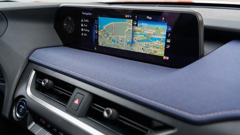 2019-Lexus-UX-interior-Cobalt-24