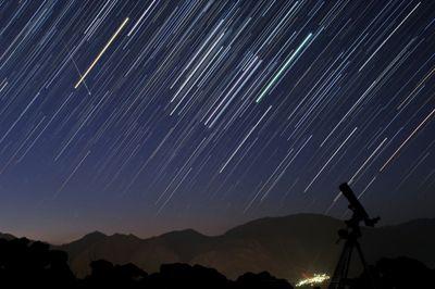فردا آسمان ایران شهاب باران می شود