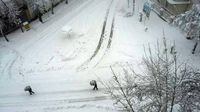 جمع آوری برف سنگین در خلخال +فیلم