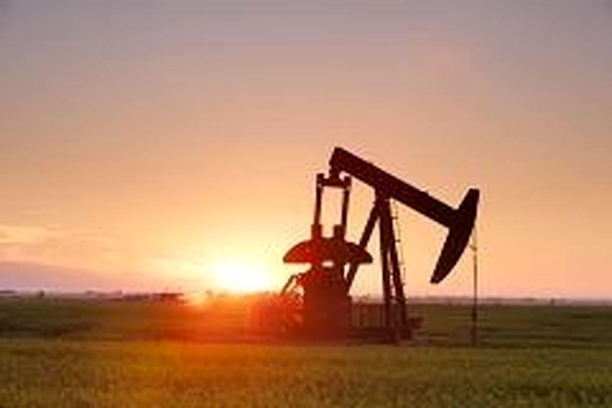 کاهش دکلهای آمریکایی تاثیر حمایتی بر قیمت نفت دارند/ سرانجام نامعلوم تعهد روسها