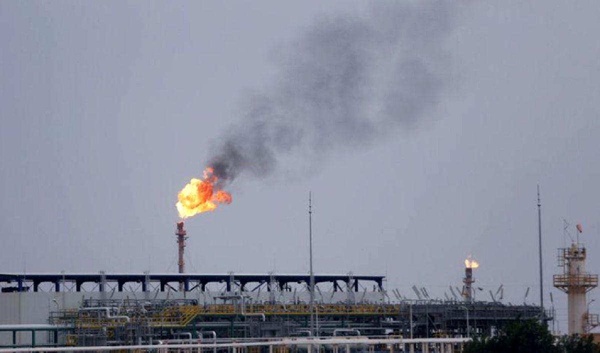 کاهش قیمت نفت به دنبال افزایش مبتلایان کرونا در چین/ اعلام محدودیتهای جدید در مرکز شیوع
