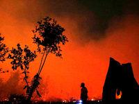 آسمان اندونزی قرمز شد +فیلم
